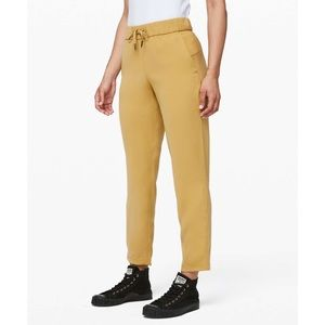 Lululemon On the Fly 7/8 Pant Woven Vintage Gold